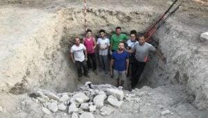 Lartaun, Marina, Jon, Odei, Lur, Julen y Aitor, siete de las personas que participaron en la excavación. Fotos: cedida